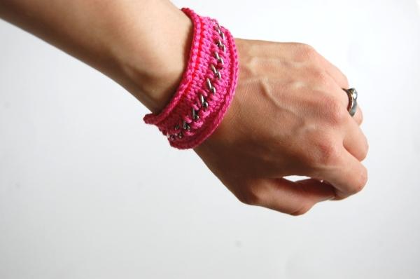 DIY Marni-inspired handmade knit chain bracelet