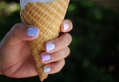 DIY manicure geometric nails